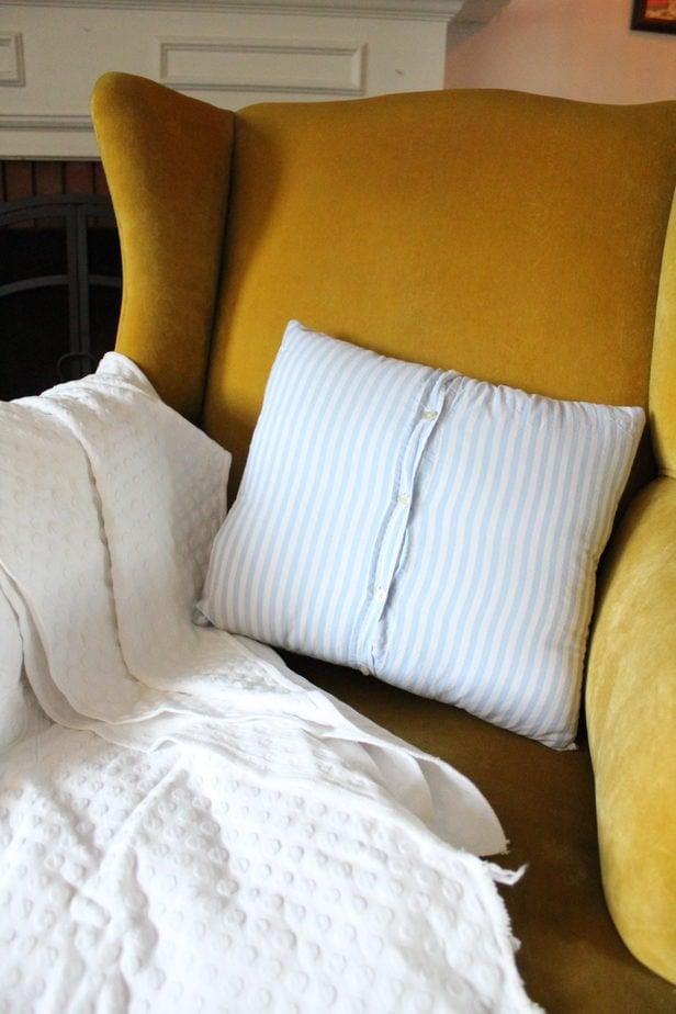 diy button up throw pillow