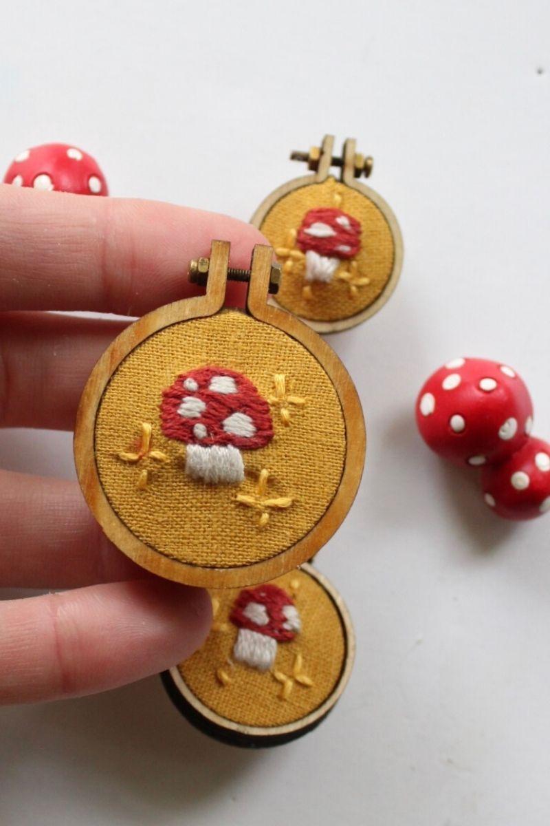 DIY Brooch – Mushroom Embroidery Tutorial