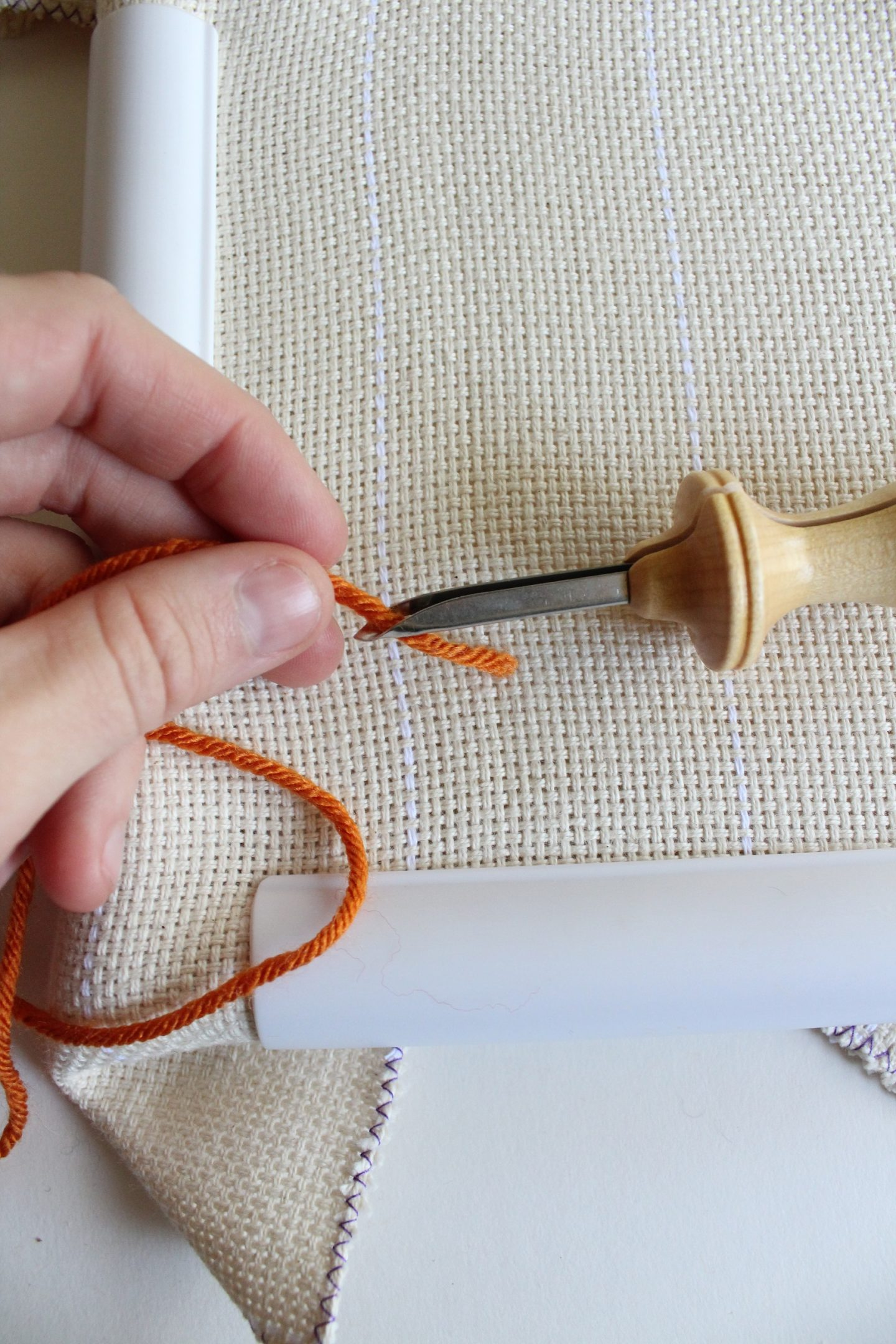 how to thread a punch needle