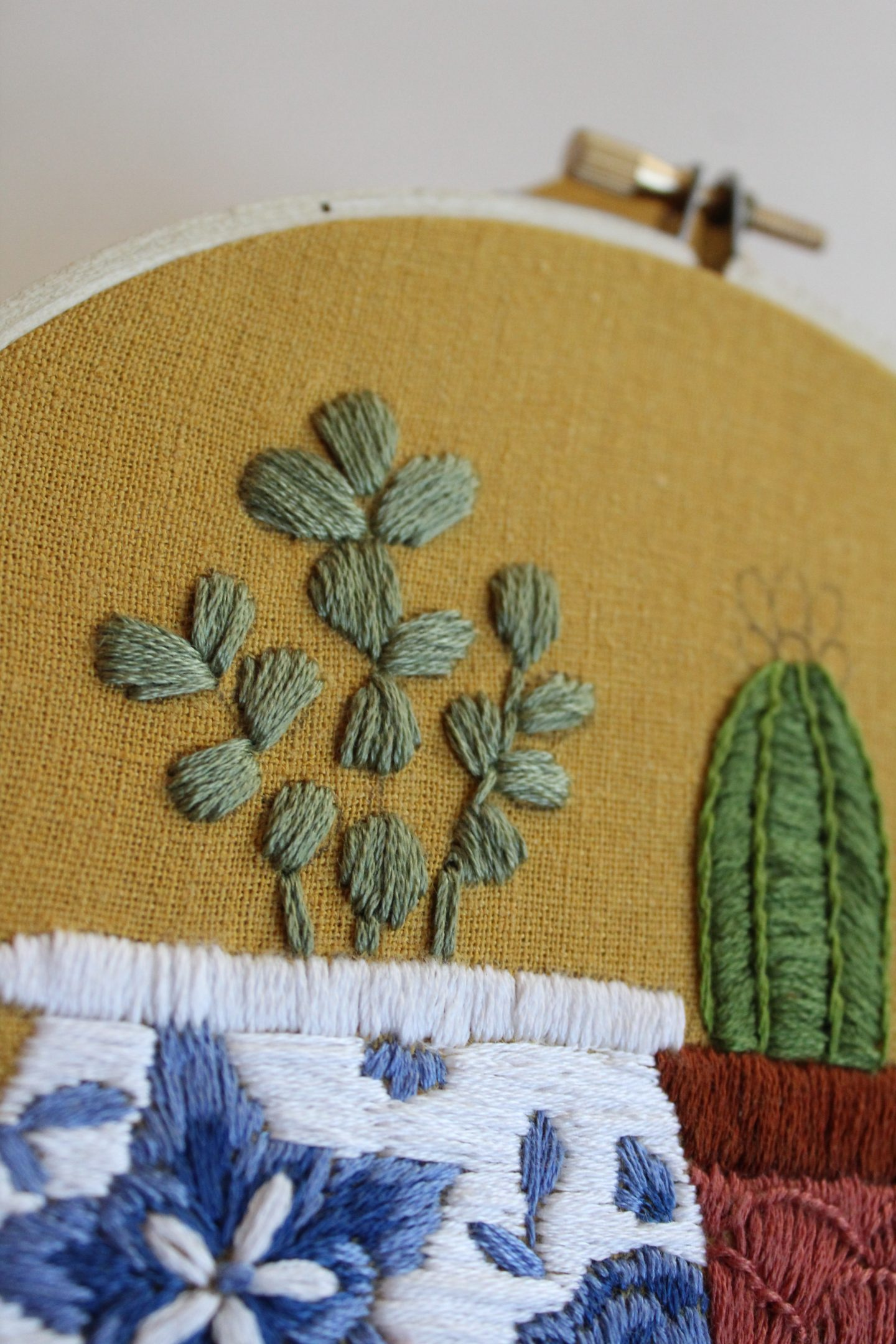 satin stitches used in an embroidery